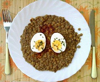 Čočka na kyselo s vejcem