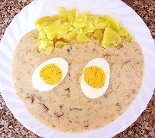 Houbová omáčka s bramborem a vejcem