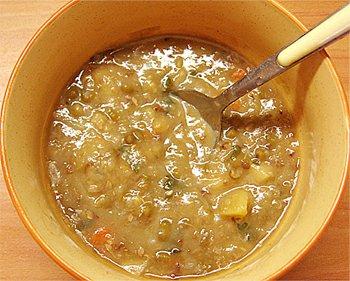 Polévka luštěninová s pohankou