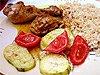 Indické kuře, dušená cuketa s rajčaty, bulgur